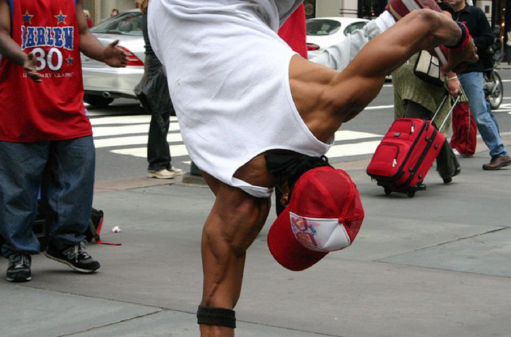 one arm hand stand