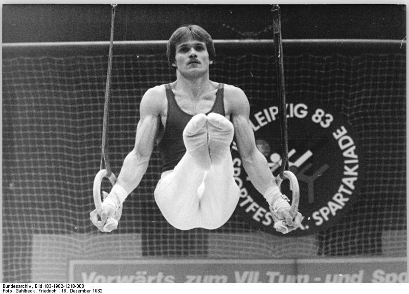 gymnastics biceps